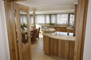 curved oak kitchen - modern living