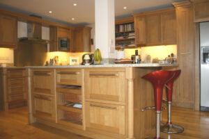 Plain Oak kitchen - Modern Living